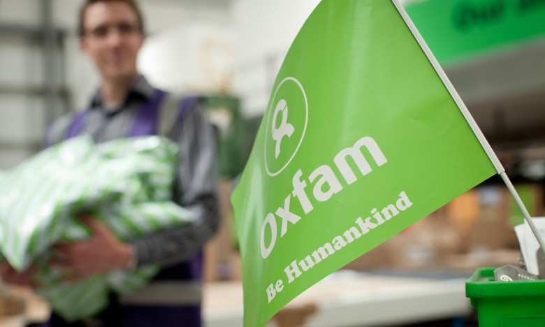OXFAM: ΠΑΡΑΙΤΗΘΗΚΕ Η ΑΝΑΠΛΗΡΩΤΡΙΑ ΔΙΕΥΘΥΝΤΡΙΑ, ΠΕΝΙ ΛΟΡΕΝΣ
